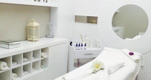 Muratpaşa Villa Derm Beauty Club'ta  klasik cilt bakımı ve derinlemesine cilt bakımı (hydrafacial) uygulamaları 39,90 TL'den başlayan fiyatlarla! Fırsatın geçerlilik tarihi için, DETAYLAR bölümünü inceleyiniz.