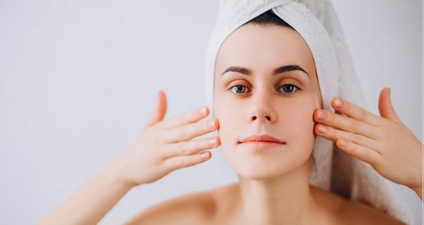 Pendik Derma Viva Estetik'te 1 saat Hydra facial cilt bakımı uygulaması 299 TL yerine 89 TL! Fırsatın geçerlilik tarihi için DETAYLAR bölümünü inceleyiniz.