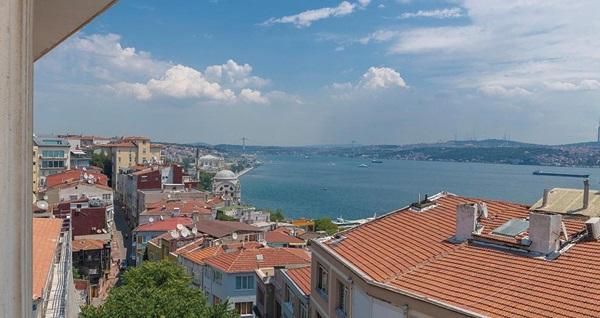 Eşsiz İstanbul manzarasına nazır Beyoğlu New Sed Hotel Bosphorus'da çift kişilik 1 gece konaklama seçenekleri 149 TL'den başlayan fiyatlarla! Fırsatın geçerlilik tarihi için, DETAYLAR bölümünü inceleyiniz.