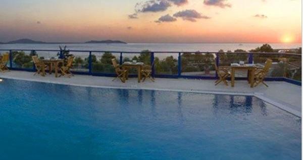Elite Hotel Küçükyalı'da muhteşem manzara & enfes açık büfe kahvaltı eşliğinde havuz keyfi 90 TL'den başlayan fiyatlarla! Fırsatın geçerlilik tarihi için DETAYLAR bölümünü inceleyiniz.