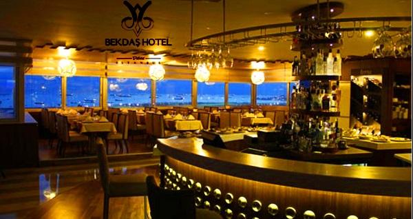 Deniz manzaralı Fatih Bekdaş Hotel'de canlı müzik eşliğinde eğlence ve zengin lezzetlerle dolu akşam yemeği menüsü 59,90 TL'den başlayan fiyatlarla! Fırsatın geçerlilik tarihi için DETAYLAR bölümünü inceleyiniz.