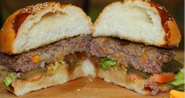 Burgerov'da birbirinden lezzetli burger menüleri 18,50 TL'den başlayan fiyatlarla! Fırsatın geçerlilik tarihi için DETAYLAR bölümünü inceleyiniz.