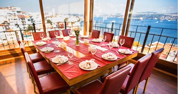 Taksim Sed Hotel'de panoramik İstanbul manzarası eşliğinde menü seçenekleri 54,90 TL'den başlayan fiyatlarla! Fırsatın geçerlilik tarihi için DETAYLAR bölümünü inceleyiniz.