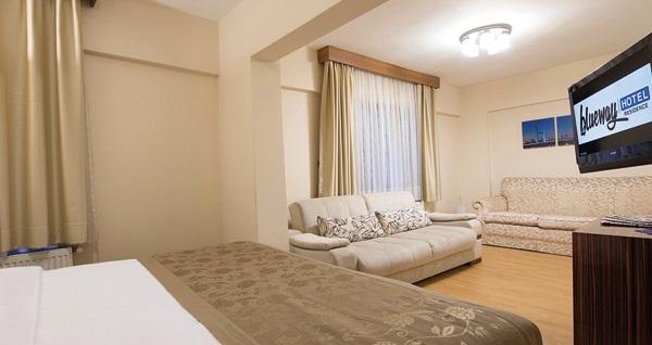 İstanbul'un kalbi Şişli Blueway Hotel Residence'ta çift kişilik 1 gece konaklama 300 TL yerine 179 TL! Fırsatın geçerlilik tarihi için DETAYLAR bölümünü inceleyiniz.