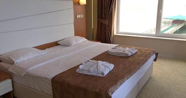 Kumburgaz Marin Princess Hotel'de kahvaltı dahil tek veya çift kişilik konaklama seçenekleri 374 TL'den başlayan fiyatlarla! Fırsatın geçerlilik tarihi için DETAYLAR bölümünü inceleyiniz.