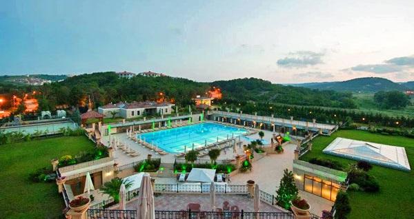 5 yıldızlı Şile Gardens Hotel'de kahvaltı dahil çift kişilik 1 gece konaklama seçenekleri 219 TL'den başlayan fiyatlarla! Fırsatın geçerlilik tarihi için, DETAYLAR bölümünü inceleyiniz.