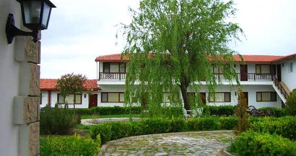 Silivri Erkanlı Country Resort Spa'da serpme kahvaltı dahil çift kişilik 1 gece konaklama ve spa 239 TL! Fırsatın geçerlilik tarihi için DETAYLAR bölümünü inceleyiniz.