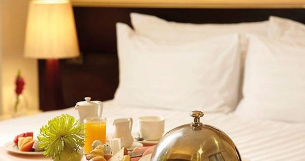 Hotel Suadiye'de manzaralı odalarda çift kişilik 1 gece konaklama seçenekleri 389 TL'den başlayan fiyatlarla! Fırsatın geçerlilik tarihi için DETAYLAR bölümünü inceleyiniz.