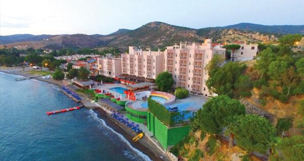 Hotel Leon Foça'da kahvaltı dahil çift kişilik 1 gece konaklama seçenekleri