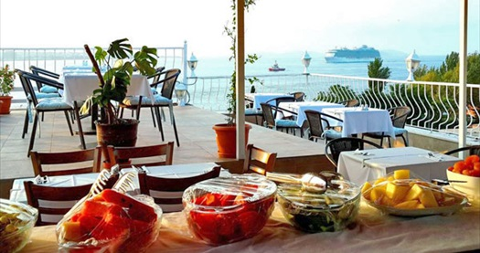 Sultanahmet'in keyif noktası Spinel Hotel'de kahvaltı dahil 1 gece konaklama keyfi 200 TL'den başlayan fiyatlarla! Fırsatın geçerlilik tarihi için, DETAYLAR bölümünü inceleyiniz.