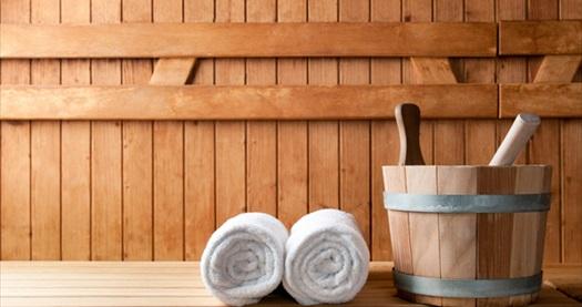 5 yıldızlı Green Park Hotel Bostancı'da ıslak alan kullanımı dahil masaj paketleri 59 TL'den başlayan fiyatlarla! Fırsatın geçerlilik tarihi için DETAYLAR bölümünü inceleyiniz. Islak alan kullanımına; sauna, hamam ve buhar odası dahildir. Kese köpük masajı 30 dakika, Klasik İsveç veya Bali masajı 40 dakikadır.
