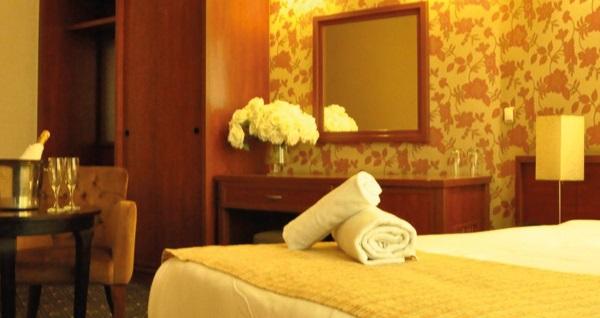 Kartal KNDF Marine Hotel'de kahvaltı dahil çift kişilik 1 gece konaklama seçenekleri 189 TL'den başlayan fiyatlarla! Fırsatın geçerlilik tarihi için, DETAYLAR bölümünü inceleyiniz.