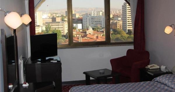 Ankara Akyüz Hotel'de kahvaltı dahil tek veya çift kişilik 1 gece konaklama 119 TL'den başlayan fiyatlarla! Fırsatın geçerlilik tarihi için, DETAYLAR bölümünü inceleyiniz.