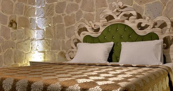 Nevşehir Elevres Stone House Hotel'de kahvaltı dahil çift kişilik 1 gece konaklama keyfi 190 TL'den başlayan fiyatlarla! Fırsatın geçerlilik tarihi için DETAYLAR bölümünü inceleyiniz.
