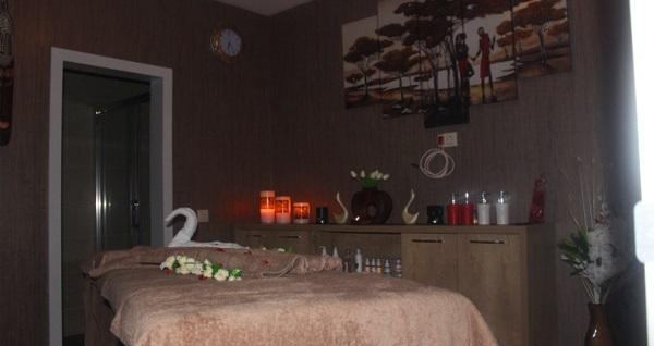 Kordon Otel Çankaya Smyrna Spa'da spa kullanımını içeren 45 dakikalık özel masaj paketleri ve içecek ikramı kişi başı 59 TL'den başlayan fiyatlarla! Fırsatın geçerlilik tarihi için, DETAYLAR bölümünü inceleyiniz.