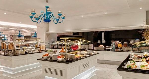 Beylikdüzü Kaya İstanbul Fair & Convention Hotel'in şık ambiyansında kahvaltı dahil çift kişilik 1 gece konaklama seçenekleri 375 TL'den başlayan fiyatlarla! Fırsatın geçerlilik tarihi için, DETAYLAR bölümünü inceleyiniz.