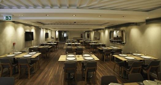 Eskişehir tarihi Odunpazarı'na 5 dakika uzaklıkta En Otel Karaca'da kahvaltı dahil konaklama seçenekleri 120 TL'den başlayan fiyatlarla! Fırsatın geçerlilik tarihi için DETAYLAR bölümünü inceleyiniz.
