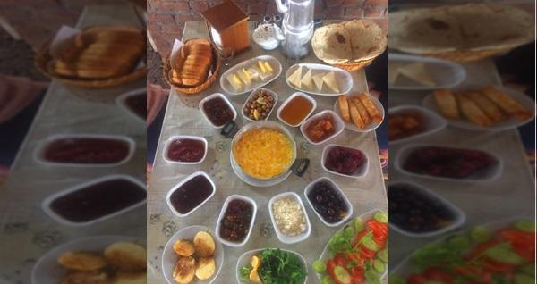 Selçuk Yıldız Köy Kahvaltısı'nda doğayla iç içe serpme kahvaltı keyfi kişi başı 19,90 TL! Fırsatın geçerlilik tarihi için DETAYLAR bölümünü inceleyiniz.
