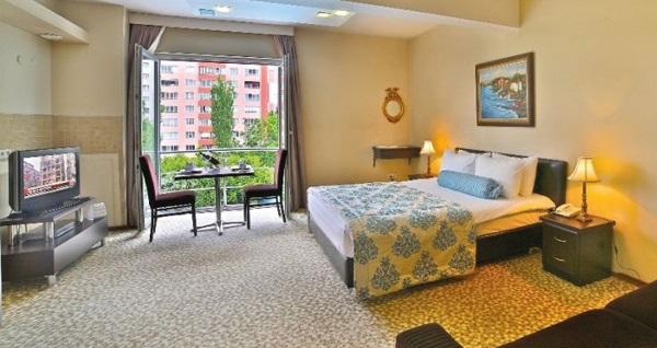 Beylikdüzü Bahira Suite Hotel'de tek veya çift kişilik 1 gece konaklama seçenekleri! Fırsatın geçerlilik tarihi için DETAYLAR bölümünü inceleyiniz.