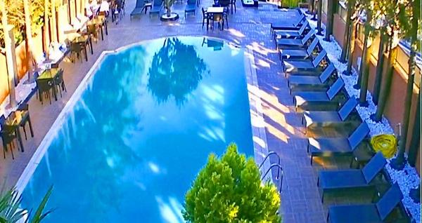 Beylikdüzü The Shaula'da havuz girişi ve meşrubat 35 TL'den başlayan fiyatlarla! Fırsatın geçerlilik tarihi için DETAYLAR bölümünü inceleyiniz.