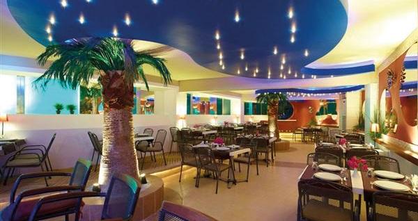 Didim Seahorse Deluxe Hotel & Residence'ta YARIM PANSİYON çift kişilik 1 gece konaklama kişi başı 250 TL! Fırsatın geçerlilik tarihi için DETAYLAR bölümünü inceleyiniz.