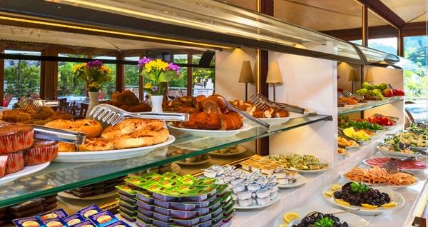 Sultanahmet Zeynep Sultan Hotel'de 70 çeşitten oluşan açık büfe kahvaltı 24,90 TL'den başlayan fiyatlarla! Fırsatın geçerlilik tarihi için DETAYLAR bölümünü inceleyiniz.