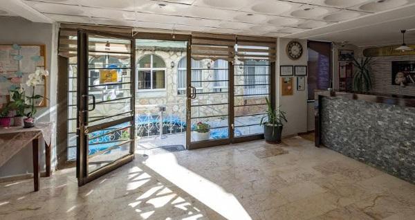 Ali Babam Apart Otel Kuşadası'nda çift kişilik 1 gece konaklama 120 TL! Fırsatın geçerlilik tarihi için, DETAYLAR bölümünü inceleyiniz.