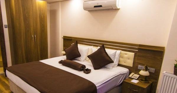 Şişli A Palace Hotel'in farklı odalarında çift kişilik 1 gece konaklama seçenekleri 200 TL'den başlayan fiyatlarla! Fırsatın geçerlilik tarihi için DETAYLAR bölümünü inceleyiniz.