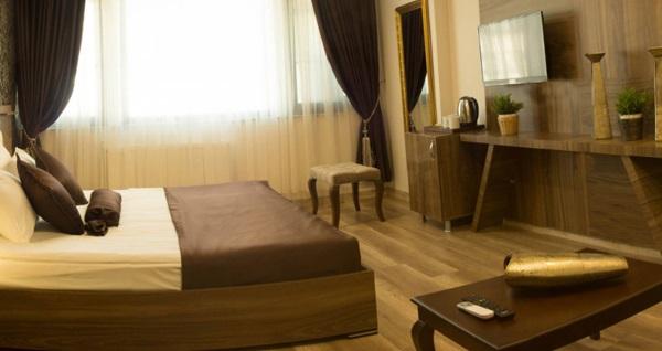 Şişli A Palace Hotel'in farklı odalarında çift kişilik 1 gece konaklama seçenekleri 185 TL'den başlayan fiyatlarla! Fırsatın geçerlilik tarihi için DETAYLAR bölümünü inceleyiniz.