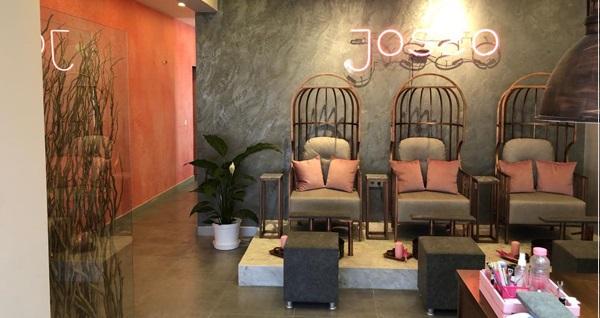 Nişantaşı Josso Beauty Bar'da manikür, pedikür, kalıcı oje, nail art, protez tırnak ve tırnak güçlendirme uygulamaları 50 TL'den başlayan fiyatlarla! Fırsatın geçerlilik tarihi için DETAYLAR bölümünü inceleyiniz.