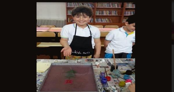 Sultanahmet Turkish Arts'da yetişkin ve çocuklara özel Ebru ve çini Atölyesi 89 TL'den başlayan fiyatlarla! Fırsatın geçerlilik tarihi için DETAYLAR bölümünü inceleyiniz.