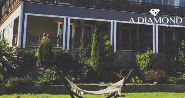 A Diamond Hotel Sapanca'da çift kişilik 1 gece konaklama seçenekleri ve spa keyfi 249 TL'den başlayan fiyatlarla! Fırsatın geçerlilik tarihi için, DETAYLAR bölümünü inceleyiniz.