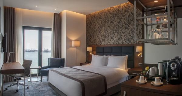 Holiday Inn Istanbul - Tuzla Bay Hotel'de farklı oda tiplerinde çift kişilik 1 gece konaklama seçenekleri 245 TL'den başlayan fiyatlarla! Fırsatın geçerlilik tarihi için, DETAYLAR bölümünü inceleyiniz.