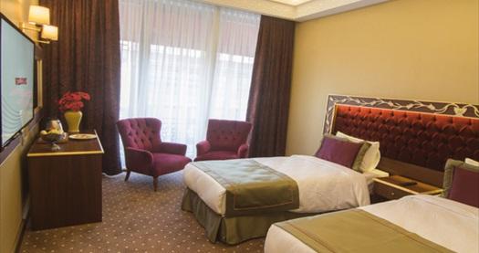 MB Deluxe Hotel Merter'de kahvaltı dahil 1 gece konaklama seçenekleri 200 TL'den başlayan fiyatlarla! Fırsatın geçerlilik tarihi için, DETAYLAR bölümünü inceleyiniz.