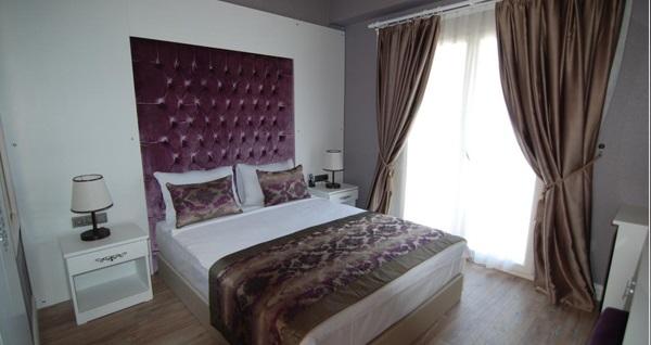 Yılbaşında da geçerli Design Hotel Alaçatı'da çift kişilik 1 gece konaklama seçenekleri 299 TL'den başlayan fiyatlarla! Fırsatın geçerlilik tarihi için DETAYLAR bölümünü inceleyiniz.