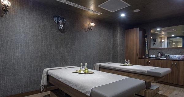 Hilton Garden Inn Yalova'da kahvaltı, fasıl ve spa seçenekleriyle çift kişilik 1 gece konaklama paketleri 239 TL'den başlayan fiyatlarla! Fırsatın geçerlilik tarihi için, DETAYLAR bölümünü inceleyiniz.