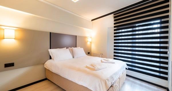 Şişli Global Suites Hotel'de şehrin merkezinde 1 gece konaklama seçenekleri 210 TL'den başlayan fiyatlarla! Fırsatın geçerlilik tarihi için DETAYLAR bölümünü inceleyiniz.