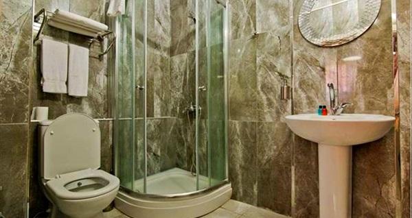 Büyükada Hotel Prinkipos'ta çift kişilik 1 gece konaklama seçenekleri 119 TL'den başlayan fiyatlarla! Fırsatın geçerlilik tarihi için DETAYLAR bölümünü inceleyiniz.