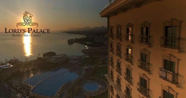 Girne Lord's Palace Hotel'de TAM PANSİYON PLUS uçaklı konaklama paketleri kişi başı 1.053 TL'den başlayan fiyatlarla! Detaylı bilgi ve rezervasyon için hemen 0850 532 50 76 numaralı telefonu arayın!