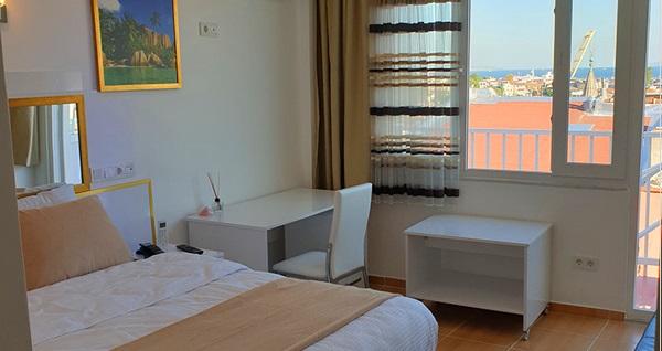 Hotel Best İstanbul'da kahvaltı dahil çift kişilik 1 gece konaklama seçenekleri 159 TL'den başlayan fiyatlarla! Fırsatın geçerlilik tarihi için DETAYLAR bölümünü inceleyiniz.