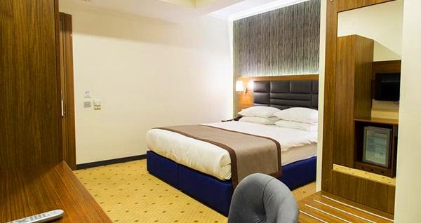 The Bostancı Hotel'de çift kişilik 1 gece konaklama seçenekleri 149 TL'den başlayan fiyatlarla! Fırsatın geçerlilik tarihi için DETAYLAR bölümünü inceleyiniz.