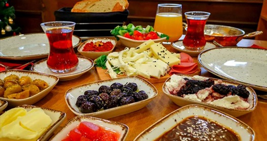 Royan Suites Sultanahmet'te kahvaltı dahil çift kişilik 1 gece konaklama keyfi 265 TL'den başlayan fiyatlarla! Fırsatın geçerlilik tarihi için, DETAYLAR bölümünü inceleyiniz.