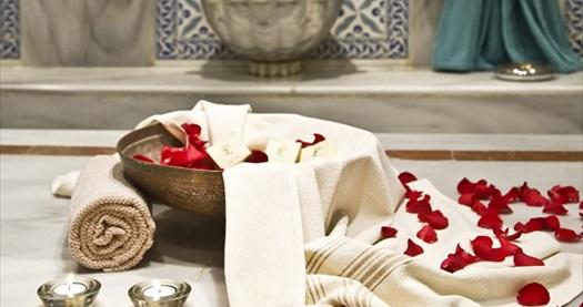 Ramada Plaza Ispanbul SPA'da  ıslak alan kullanımı ve bitki çayı ikramı dahil 50 dakikalık burçlara göre masaj uygulaması veya kese köpük masajı 79 TL'den başlayan fiyatlarla! Fırsatın geçerlilik tarihi için DETAYLAR bölümünü inceleyiniz. İspanbul haftanın her günü 09.00 - 22.00 saatleri arasında hizmet vermektedir.