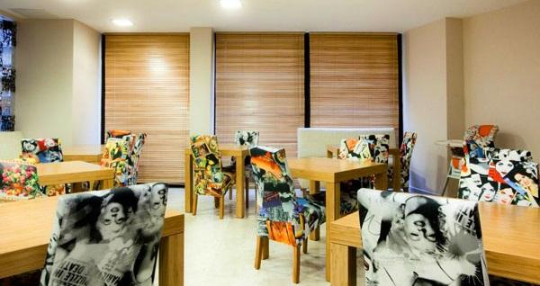Peninsula Galata Boutique Hotel'de standart veya ekonomik odada çift kişilik 1 gece kahvaltı dahil konaklama 249 TL'den başlayan fiyatlarla! Fırsatın geçerlilik tarihi için DETAYLAR bölümünü inceleyiniz.