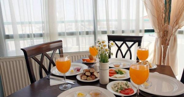 İzmir Üstün Otel'de kahvaltı dahil çift kişilik 1 gece konaklama 159 TL! Fırsatın geçerlilik tarihi için, DETAYLAR bölümünü inceleyiniz.