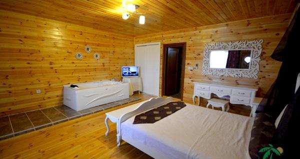 Ağva Teras Garden Hotel'in farklı odalarında kahvaltı dahil çift kişilik 1 gece konaklama seçenekleri 149 TL'den başlayan fiyatlarla! Fırsatın geçerlilik tarihi için, DETAYLAR bölümünü inceleyiniz.
