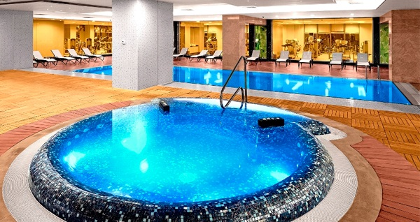 The Green Park Hotel Pendik'te ıslak alan kullanımı dahil 30 veya 40 dakikalık masaj 69 TL'den başlayan fiyatlarla! Fırsatın geçerlilik tarihi için DETAYLAR bölümünü inceleyiniz. ISLAK ALAN KULLANIMI: Hamam, sauna, buhar odası, şok duşu, macera duşu