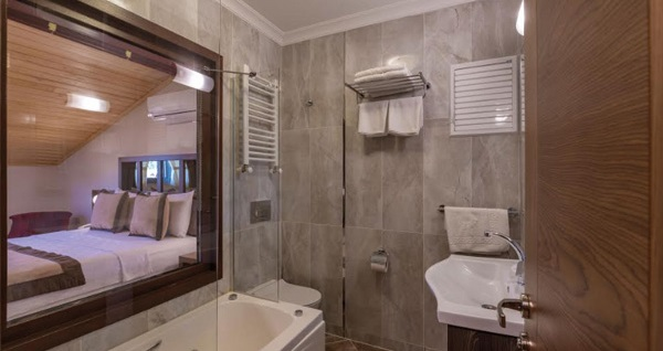 Ağva Palas Hotel'in farklı oda tiplerinde çift kişilik 1 gece konaklama seçenekleri 179 TL'den başlayan fiyatlarla! Fırsatın geçerlilik tarihi için, DETAYLAR bölümünü inceleyiniz.