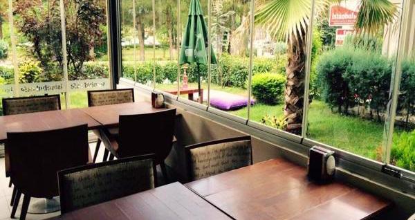 Doğayla başbaşa tatil keyfi! The Hotel Sapanca'da 2, 3 veya 4 kişilik 1 gece konaklama seçenekleri 175 TL'den başlayan fiyatlarla! Fırsatın geçerlilik tarihi için, DETAYLAR bölümünü inceleyiniz.