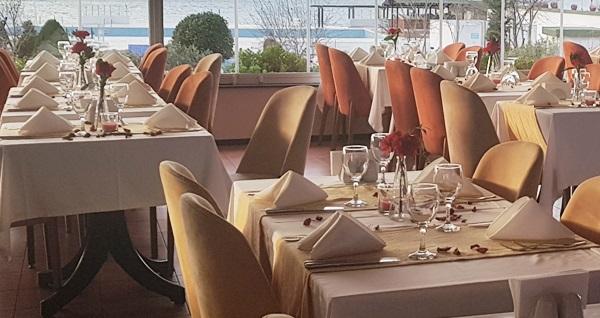 İstanbul Yelken Kulübü'nde deniz manzarası eşliğinde hafta içi veya hafta sonu kahvaltı keyfi 40 TL'den başlayan fiyatlarla! Fırsatın geçerlilik tarihi için DETAYLAR bölümünü inceleyiniz.